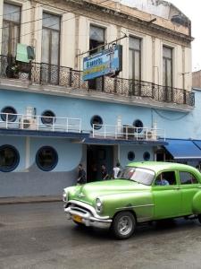 2012 Cuba Puerto bar