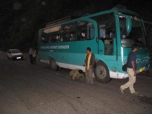 Broken down bus half way to Simla